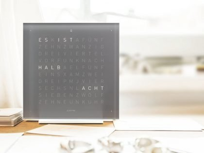 Qlocktwo Touch pure