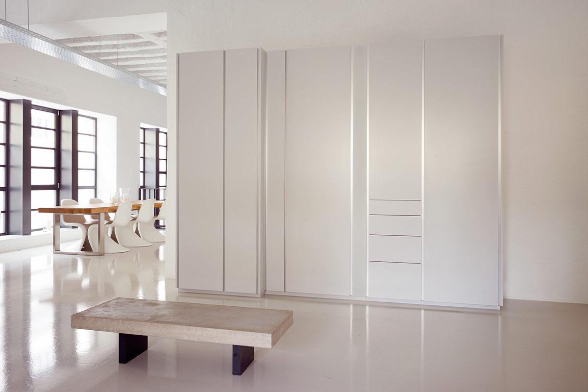 sch nbuch dielenm bel stripes einrichtungsh user h ls schwelm. Black Bedroom Furniture Sets. Home Design Ideas